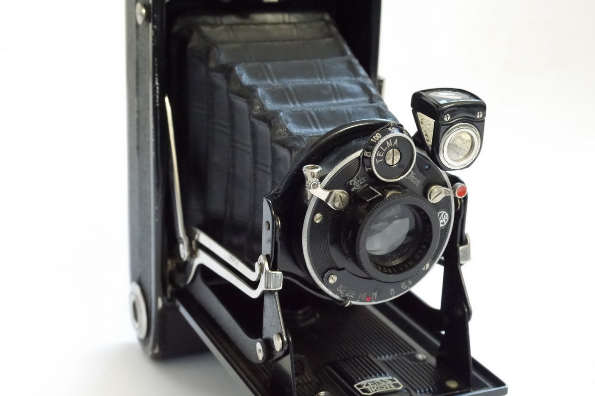Zeiss Ikon Ikonta 520/2 6×9 on 120 folding camera with f6 3 lens in Telma  shutter - MW Classic Cameras